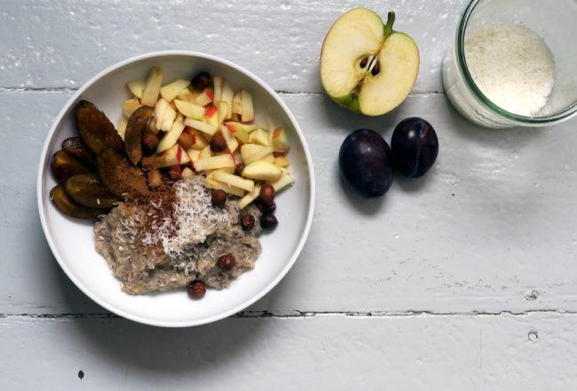 Buchweizen-Porridge mit Banane und Chia-Samen zum Frühstück und ab geht die Luzie!