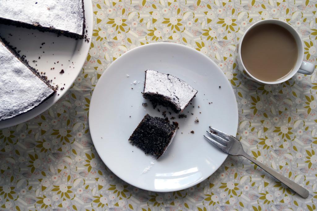 Mmmm... ein glutenfreier Mohnkuchen, der ratz fatz zubereitet ist.