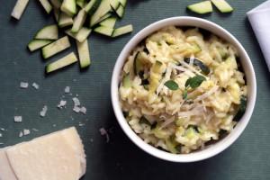 Zucchini-Risotto schmeckt gemeinsam besser als alleine. :-)