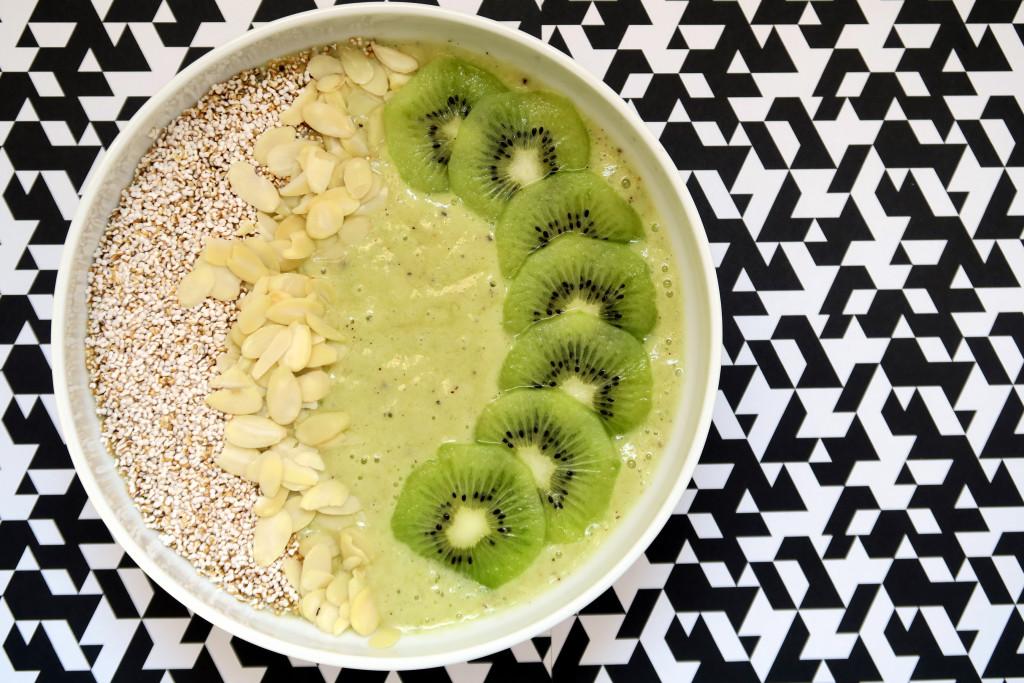 Wer mag einen Banane-Kiwi-Orange-Smoothie zum Frühstück? Ich - ich - ich!