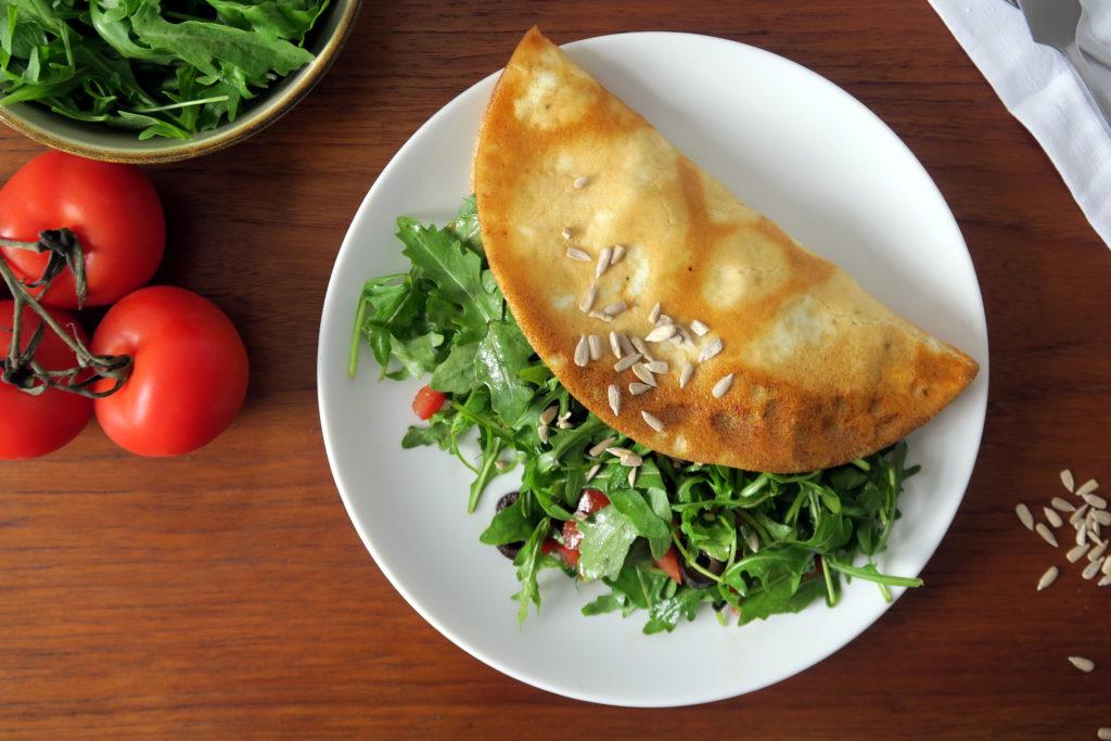 Yummy - in nicht einmal zehn Minuten zubereitet: Das Omelett mit Rucolasalat!