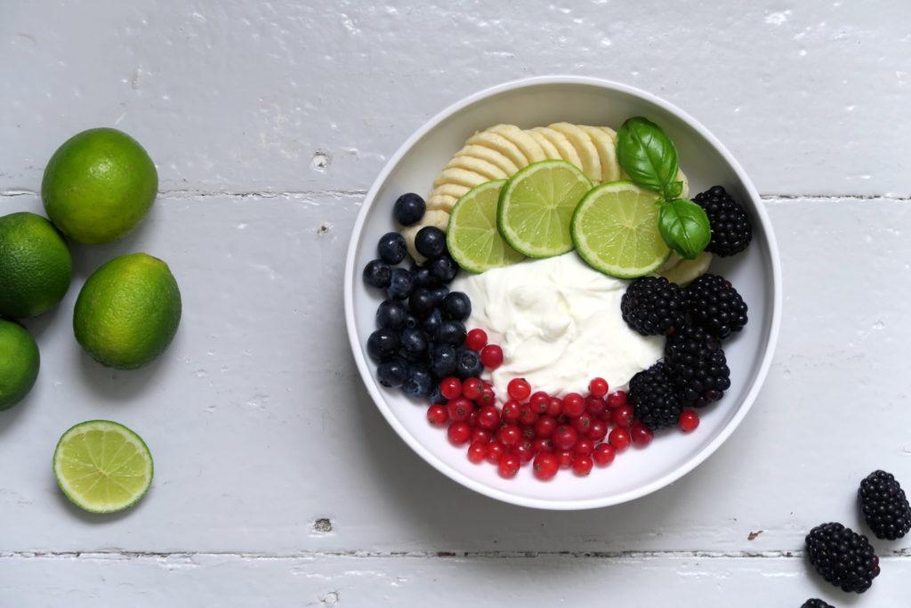 Vitamine, Proteine und gute Laune. Der Limettenquark darf ruhig jeden zweiten Morgen bei mir aufschlagen. Yummy!