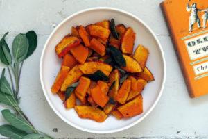 Eines meiner schnellen Gerichte für den Herbst: gebackene Kürbisspalten mit Salbei