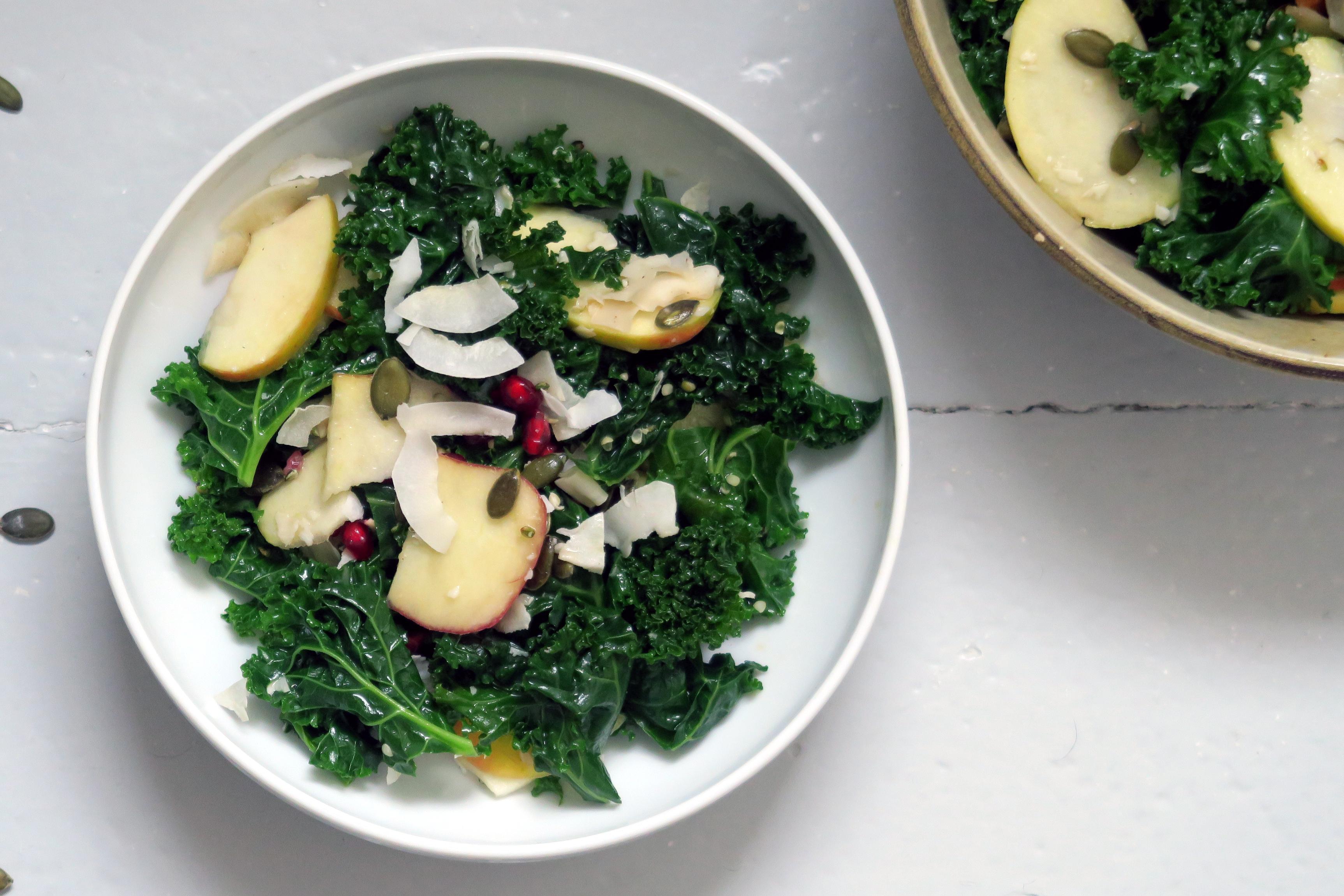 Grünkohlsalat Mit Apfel Und Granatapfelkernen Glutenfreeme