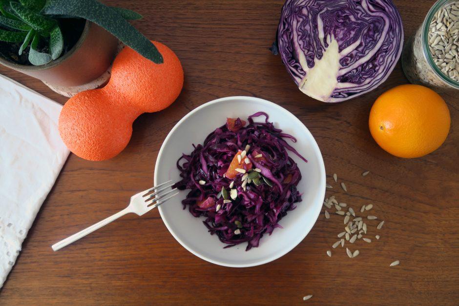 glutenfreier Rotkohl-Orangen-Salat - frisch und fruchtig