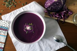 winterlich lecker, vegan und glutenfrei, meine Rotkohlsuppe