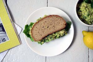 veganes und glutenfreies Avocado-Bohnen-Mus